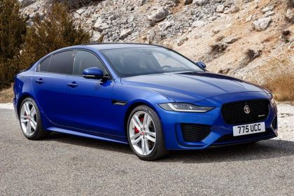 Jaguar XE Saloon Saloon AWD 2.0 i 300PS R-Dynamic SE 4Dr Auto [Start Stop]