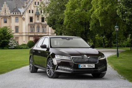 Skoda Superb Hatchback Hatch 5Dr 1.4 TSI iV PiH 13kWh 218PS Laurin & Klement 5Dr DSG [Start Stop]
